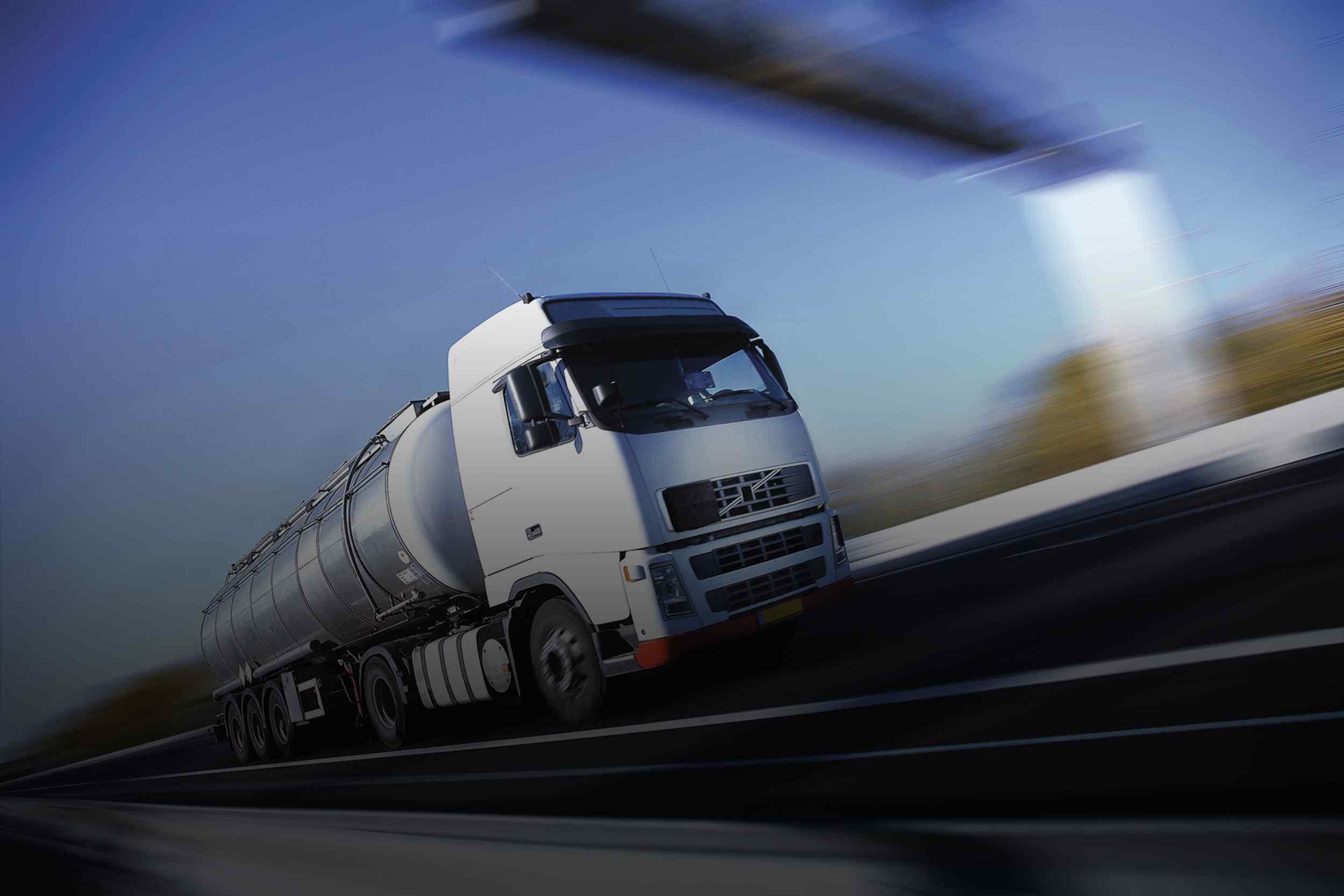 http://baikay.com/wp-content/uploads/2015/09/White-Truck-single.jpg