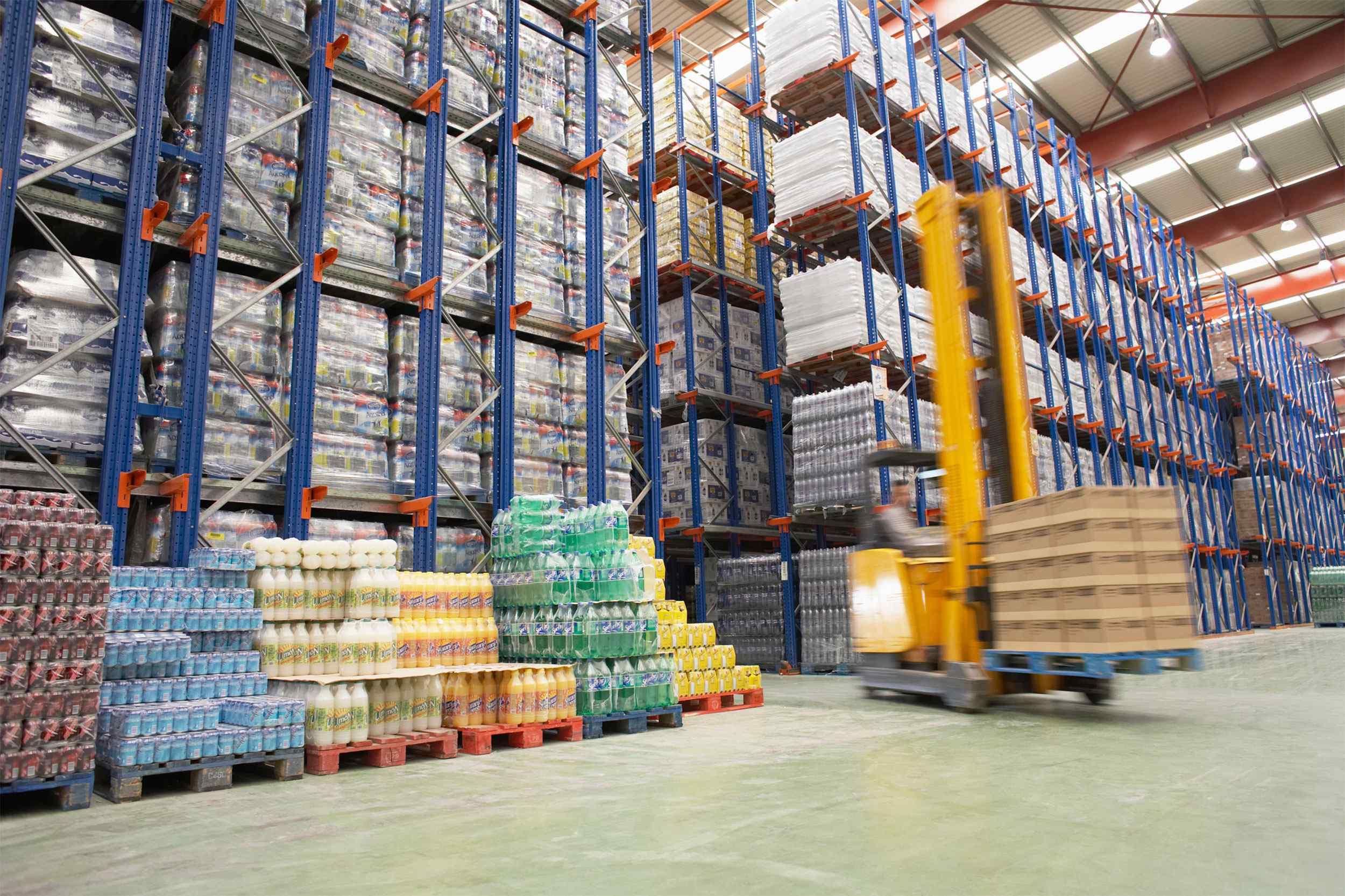 https://baikay.com/wp-content/uploads/2015/09/Warehouse-and-lifter1.jpg